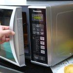 Lò vi sóng Panasonic không nóng và cách khắc phục